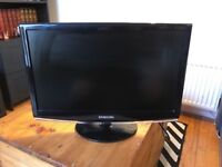 Samsung 19 inch LCD HD TV, Freeview, Remote. NO OFFERS