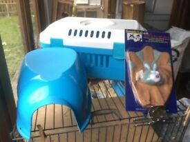 Pet carrier, suit guinea pigs, hedgehogs etc. comes with house and new pet grooming glove