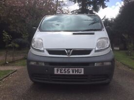 VAUXHALL VIVARO 2005-82000 MILES-EXCELLENT CONDITION-2 OWNERS