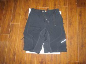 Endura Hummvee Cycling Short (Black, Medium) - NEW