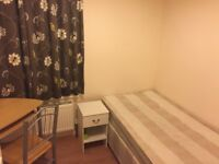 Large single room for a professional in Upton Park,£95pw, 07723920783, Lisa