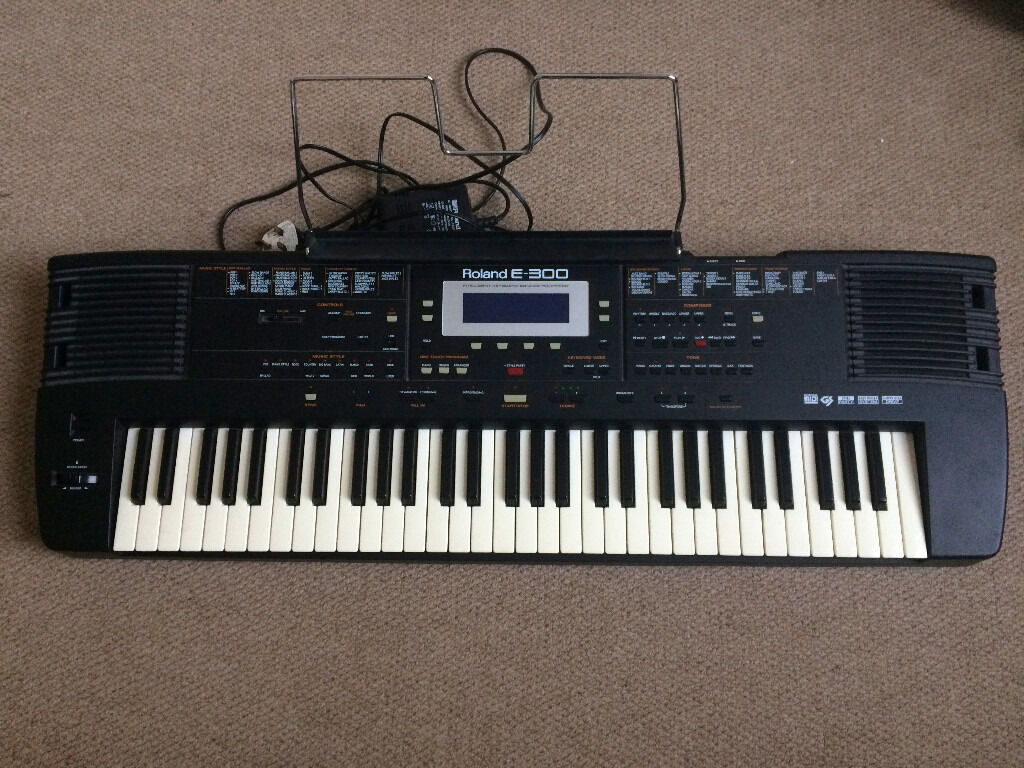Roland E300 Electronic Keyboard In Kilburn London Gumtree