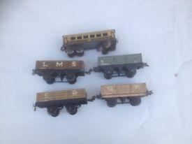 O Gauge Hornby / Meccano flat wagons (per war)