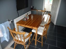 Pine High Quality Table and 4 matching Chairs, with Cushions