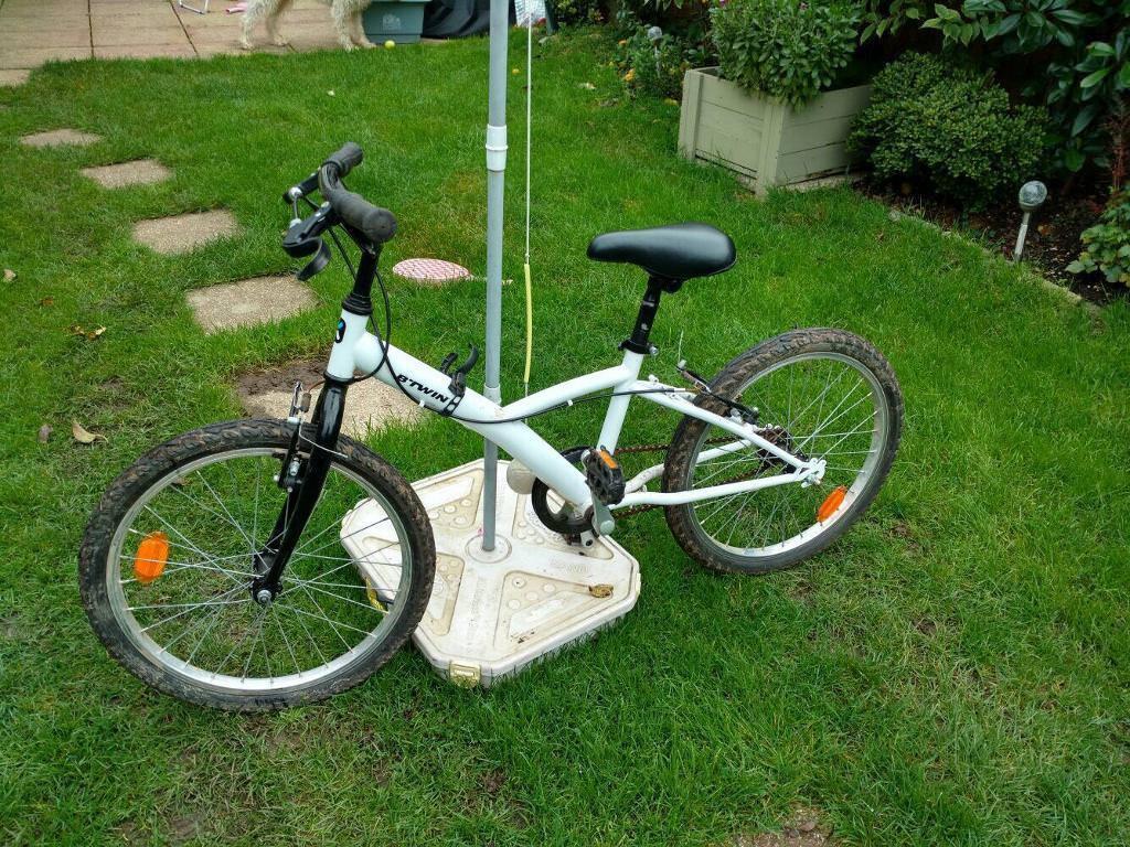 B'twin Single 100 -Bike 20 inch wheel