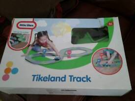 Little tikes car track with car