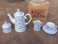 Porcelain Teapot, Mugs & Saucer Set