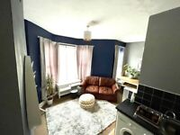 Spacious 1 Bedroom Flat (Off Wellfeild Road Cardiff)