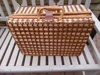 Fitted picnic hamper