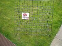 Wire Rack for Card Displays