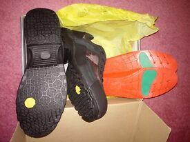 Anvil blacktail men's waterproof trainer boot size 10 Black Brand New