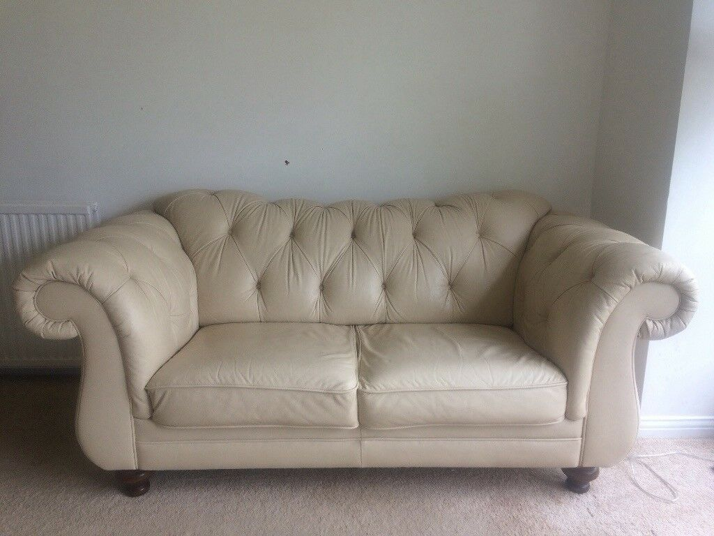 Gorgeous Cream Leather Chesterfield Sofa