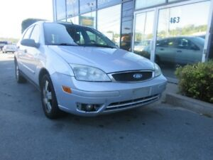 2007 Ford Focus SES AUTO HATCH W/ ALLOYS