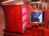 Antique arts & crafts dresser with mirror