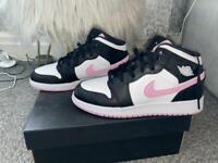 Nike Air Jordan 1 Mid - Black and Pink - Size 6