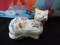 Vintage Aynsley Cottage Garden Cat Trinket Box