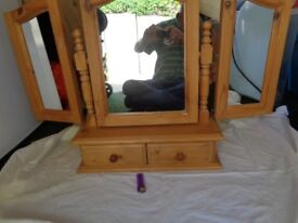 ine Tripple Arched Top Mirror very good condition no damage solid wood pick up only not taking offer