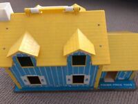 Fisher Price Dolls House 1969 very good condition including all original fittings and playpeople
