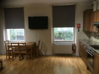 2 Bedroom Flat in Queensborough Terrace, Bayswater W2