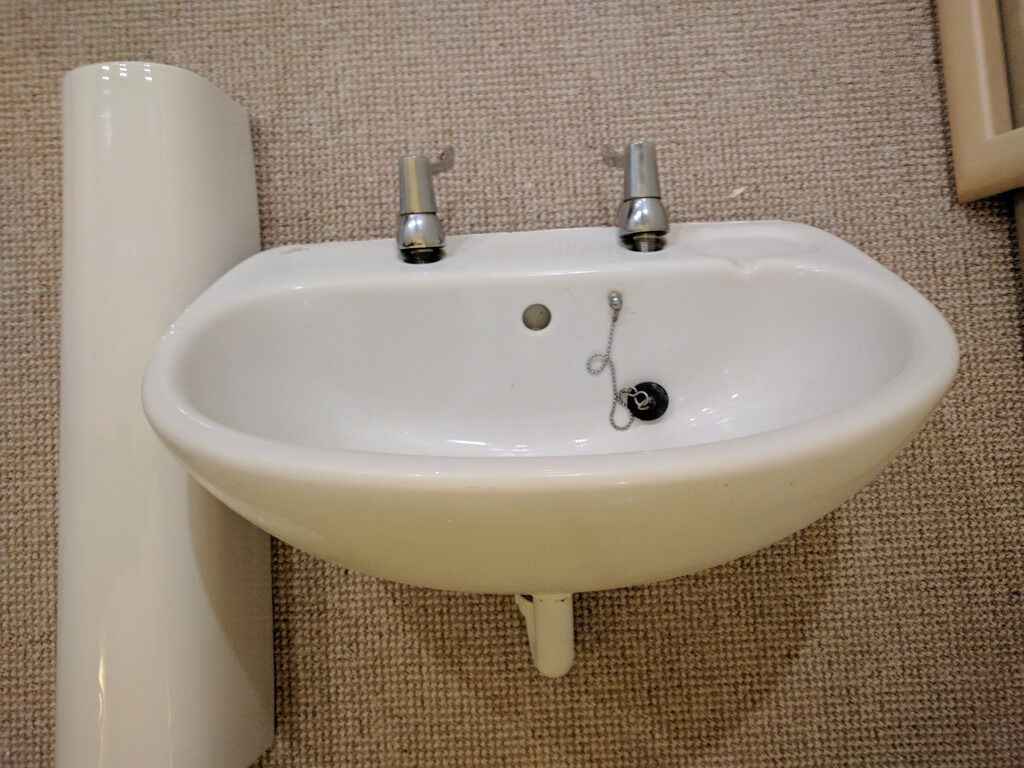 Bathroom Sinks Gumtree bathroom sink ideal standard with stand - white - good condition