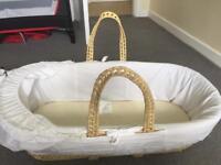 Kinder valley Moses basket & sheets