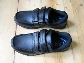 F&F Boys Leather School Shoes Size 6