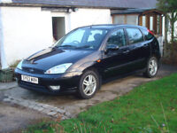 ford focus 1.6 zetec, 2003, with very low miles, 12 months mot, tow bar, great learner / family car