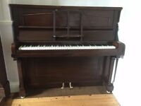 Upright Piano - free