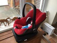 Maxi Cosi Pebble Car Seat with Family fix base