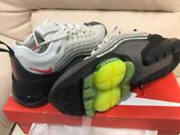 Nike trainers 2020 ZM950 SIZE 9