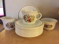 Tea cup set & tea pot