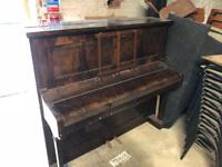 Vintage Piano working order