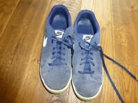 good used condition Mens navy Nike Court Majestic trainers size 10