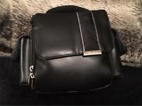 Targus Genuine Leather Camera Bag - VGC