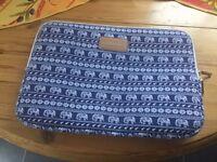 Soft fabric laptop bag