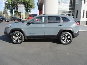 2014 Jeep Cherokee Trailhawk (LEATHER SUNROOF AND MORE)