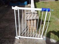 stair gate srew to door frame one