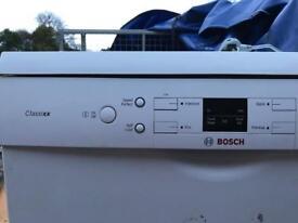 Bosch freestanding dishwasher - white