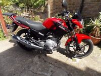 Yamaha YBR 125,2016, RED, ONLY 708MILES, 1 OWNER, 1 YEAR WARRANTY, GREAT BIKE,1 YEAR WARRANTY