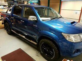 2015 Island Blue Toyota Hilux Invincible 3.0 d-4D Double Cab
