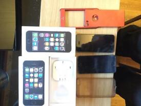 IPhone 5s 16 GB with covers and boxes , one set of headphones.vodafone great condition