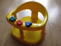 BABY BATH SEAT with toys & suckers to hold it in the bath - suit boy or girl - BARGAIN PRICE