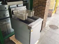 COMMERCIAL CATERING NEW GAS TWIN TANK FRYER CAFE RESTAURANT KEBAB CHICKEN TAKE AWAY RESTAURANT SHOP