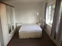Beautifully Large Double Room to Rent in Crown Road Sutton. Bills included.