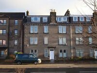 39 Shields Pl, 23 Dunkeld Rd, Perth - 1 bed, top floor flat.