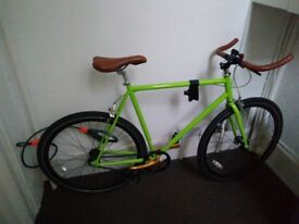 Cycle - Fixie (160£) + D6-lock + stand pump (240)