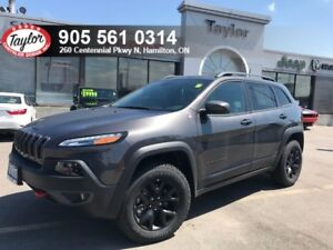 2018 Jeep Cherokee Trailhawk 4x4 V6 w/Leather Cooled Seats, Back