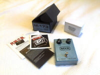 MXR M-173 Classic 108 Fuzz (Fuzz Face) pedal + power supply (Dunlop ECB003US)