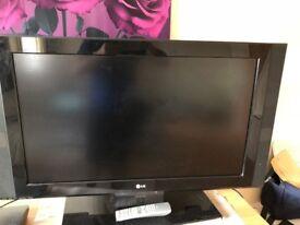 37 LG LCD TV