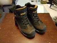 Dewalt Safety boots size 8
